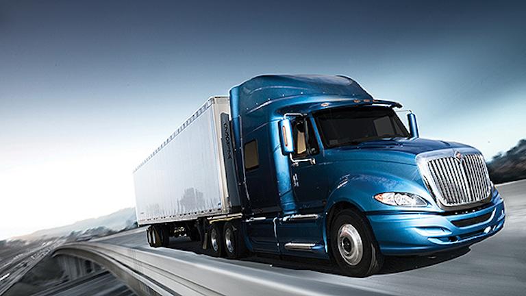 Navistar Scores Order For Up To 9 000 New Class 8 Trucks