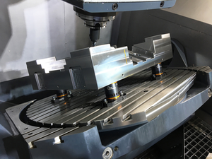 SMW Autoblok introduced the WPS/APS workpiece positioning system featuring manual zero-point clamping for turning, milling, inspection, and finishing operations.