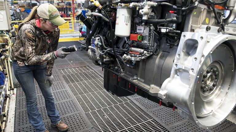 Navistar Extends Diesel Engine Supply Cummins Inc American