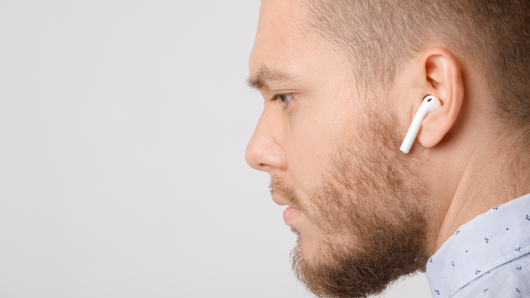 Should Workers Be Allowed to Wear Earbuds? | EHS Today
