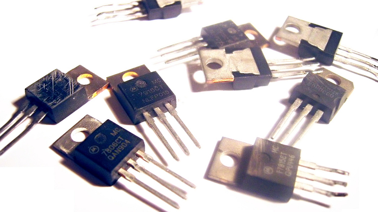 The 78xx Linear Regulator Story—A Look Back and into the Future |  Electronic DesignElectronic Design
