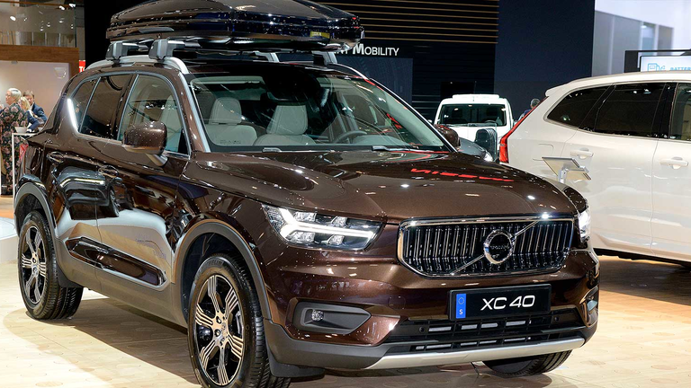 Volvo Electric Suv >> Volvo Vows To Cut Carbon Footprint In Bid To Sell Electric