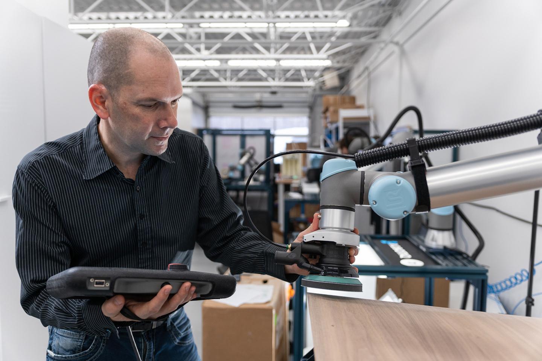 Industryweek Com Sites Industryweek com Files Robotiq Sanding Kit