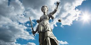 Lady Justice Id 124425697 © Davidfreigner Dreamstime