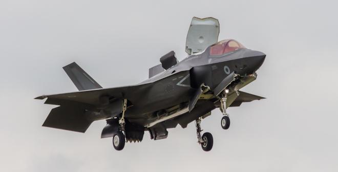 L M F 35 In Flight © Clive117 Dreamstime