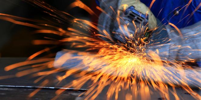 Metal Industry Grinding Worker Sparks Employment © Kamonrutm Dreamstime