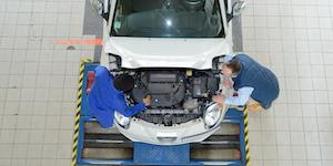 Overhead View Vehicle Car Production Line Shop Floor © Auremar Dreamstime