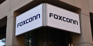 Foxconn Downtown Milwaukee Wisconsin Wisconsin Ave © Tony Savino Dreamstime