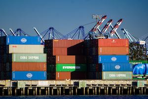 Intermodal Cargo © Vince Zen