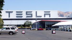 Tesla Fremont California Winnietam Dreamstime 5eb97845e4044