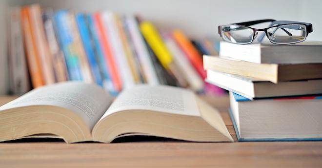 Books 1620dreamstime Xxl 58061651
