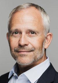 Avant de rejoindre Universal Robots, Martin Kjærbo a occupé des postes de direction au sein de la logistique / chaîne d'approvisionnement et des départements d'ingénierie d'autres sociétés danoises sur le marché mondial, telles que le fabricant de pompes Grundfos et la société d'éoliennes Vestas.