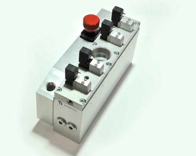 Les blocs de soufflage haute performance permettent de contrôler la croissance du volume des bouteilles, ce qui en fait un composant pneumatique essentiel dans le processus SBM.