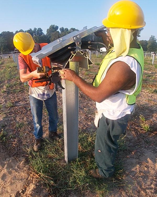 L'installation des Sunfolding T29 est simple et ne nécessite aucun outil spécial.
