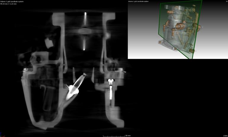 Vue en coupe du scanner du carburateur reconstruit.
