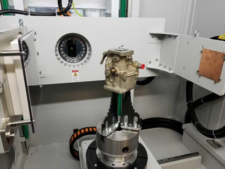 Montage des pièces et géométrie du système pour le scanner du carburateur.