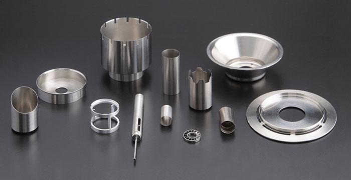 先进的机加工可以精确地生产出具有薄,小特征的车削零件。
