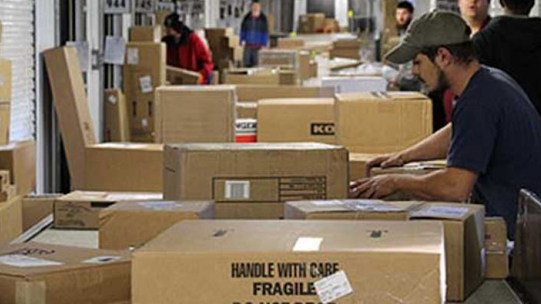 Is Fedex Open On Christmas Eve 2021 Ups Fedex Handle Record Holiday Surge With Minimal Delays Material Handling And Logistics