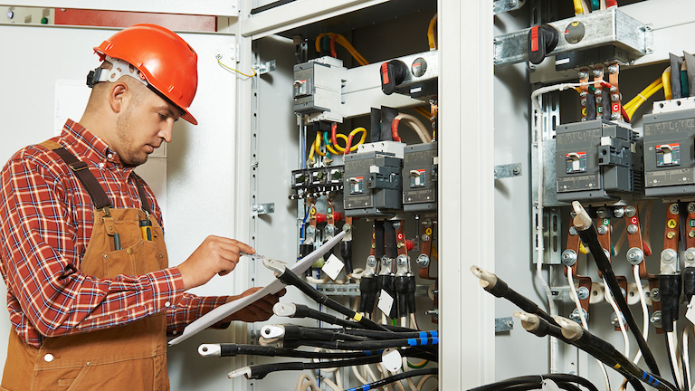 Survey of Electricians Reveals Shocking Stats