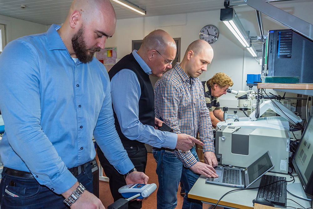 The experienced team behind EcoCooling is partly the same that developed the front-lit technology used in Amazon Kindle-devices. From left to right: Juha Hatjasalo, Leo Hatjasalo, Jori Oravasaari, and Jarmo Maattanen.