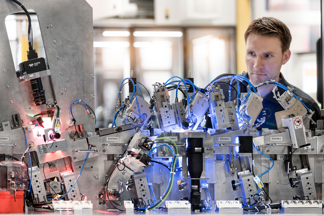Schaeffler Sondermaschinenbau handles around 4,500 projects annually—every single one of them is complex and mechatronic, many with robotic components.