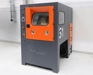 The new S 1 system from AM Solutions – 3D post-processing technology for the automated de-powdering and cleaning of 3D printed plastic components ensures that OECHSLER fulfills all requirements for repeatability of the processing results, traceability, and cost-efficiency.