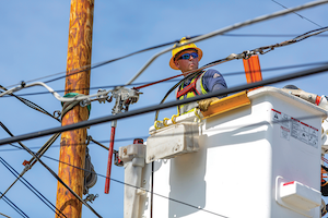 Installing a new outage management system will help WPS lessen the impact of outages for the approximately 450,000 electric customers it serves in Wisconsin. Dispatchers and field personnel can see a single view of all outage information, as well as attach documents and photos to an outage order, helping repairs take place more quickly and efficiently.
